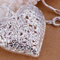 Как ухаживать за серебряными изделиями